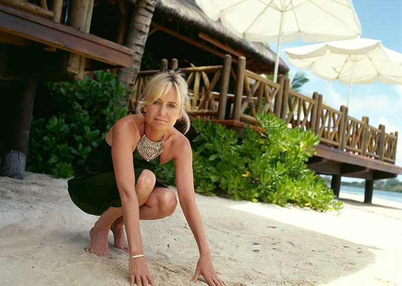 susan-crouched-on-beach2