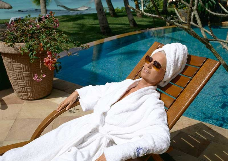 susan-relaxing-by-pool